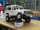 Def 90 auf modifiziertem Axial Chassis